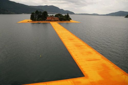 tumblr_o8xrjwgi0M1qfc4xho1_500 Christo and Jeanne-Claude: The Floating Piers, Lake Iseo,... Contemporary