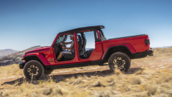(via 2020-jeep-gladiator-1.jpg 916×515 pixels)