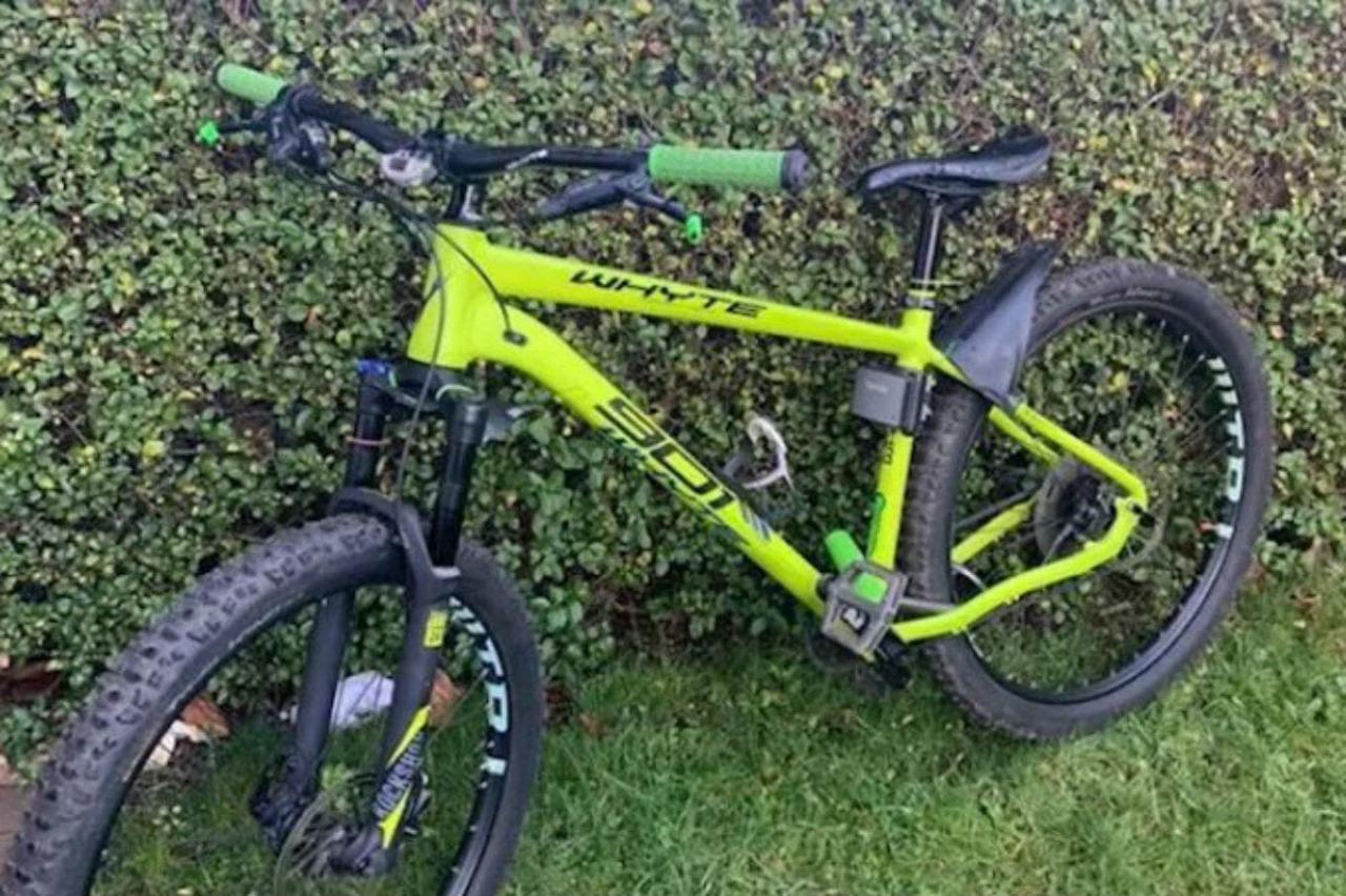 Compra una bicicleta robada de 1600 euros por 90, pide ayuda en Twitter, encuentra a su dueño y se la devuelve
