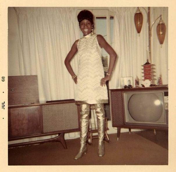 2386021e1 You go girls! 38 cool pics of women in go-go boots from the mid-1960s and  1970s.