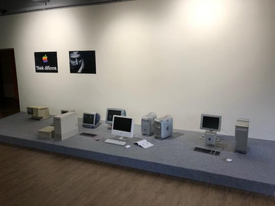 Die noch unfertige Apple-Sammlung im Binarium in Dortmund