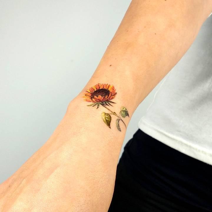 Tatuaje Temporal De Un Girasol Cómpralo Aquí Tatuajes