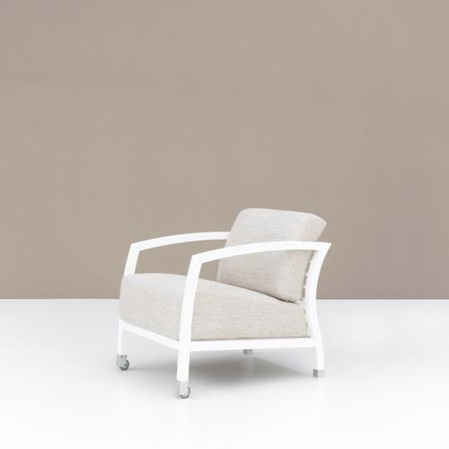 tumblr_pj0qgwQQEd1qfx0suo1_500 stua:STUA Malena armchair with white frame, A Jon Gasca... Contemporary