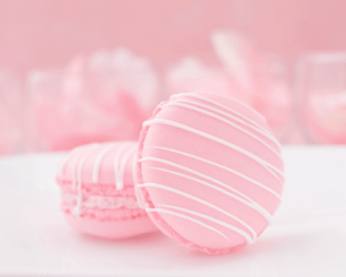 aesthetic macaron strawberry