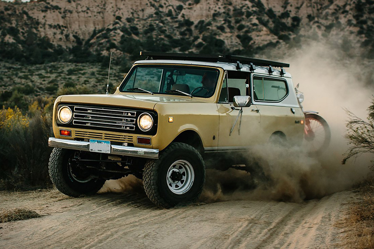 (via New Legend x Iron & Resin 1972 Scout II Runner | Uncrate)