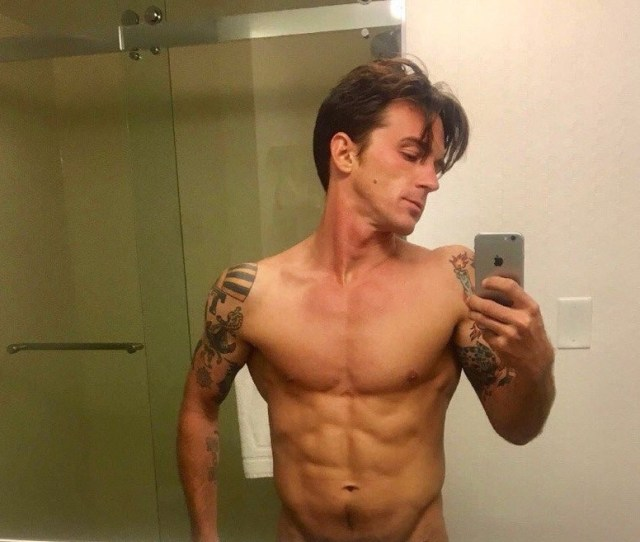 Leakedmeat These Drake Bell Nude Photos Leaked Tape Have Twitter All Fired Up