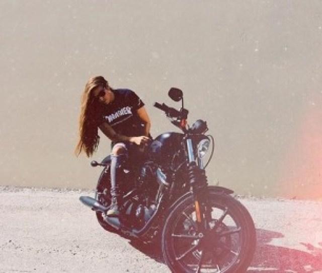Girlsmotorcycleharleydavidsonthrasherlong Hairbiker Babesbiker Lesbiangirls Who Kiss Girlsgirlswholikegirlscute Girls