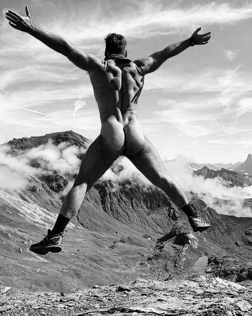Jump,… jump,… @misteroutdoors 1