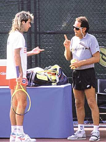 Nick Bollettieri junto a Andre Agassi