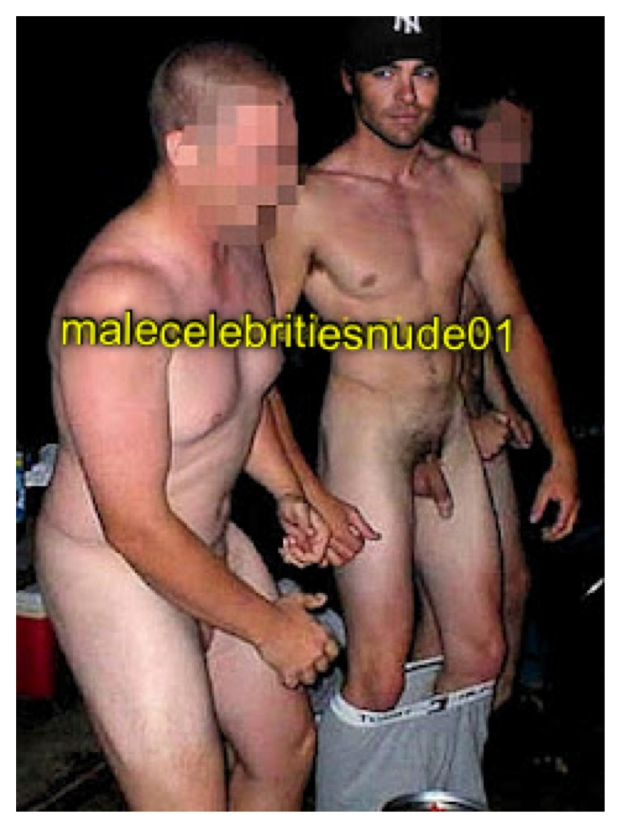 Naked women sucking a peinis