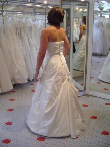 Zeigt Mir Bitte Mal Eure Brautkleider Michfreuenwürd Bitte