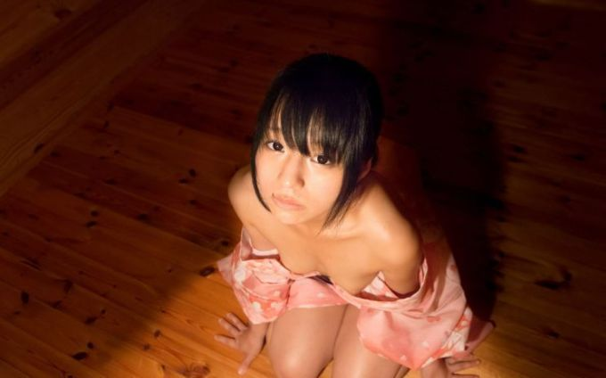 瞳(AV女優)
