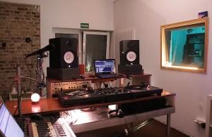 674FM_Studio1