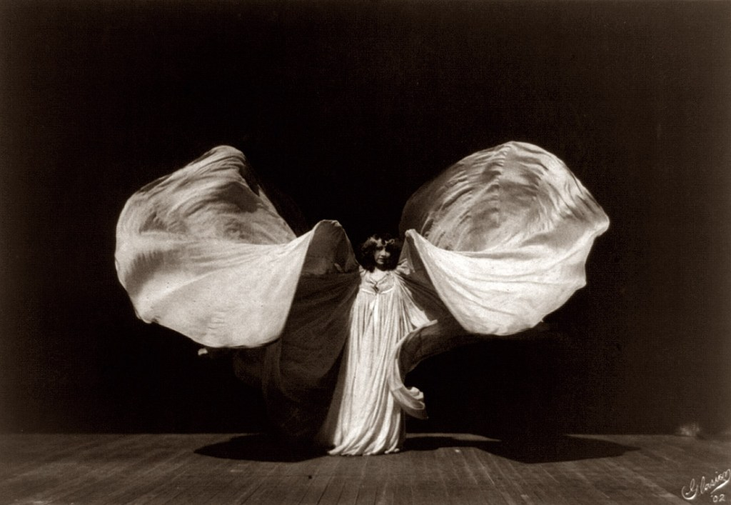 Portrait of Loïe Fuller, by Frederick Glasier, 1902.