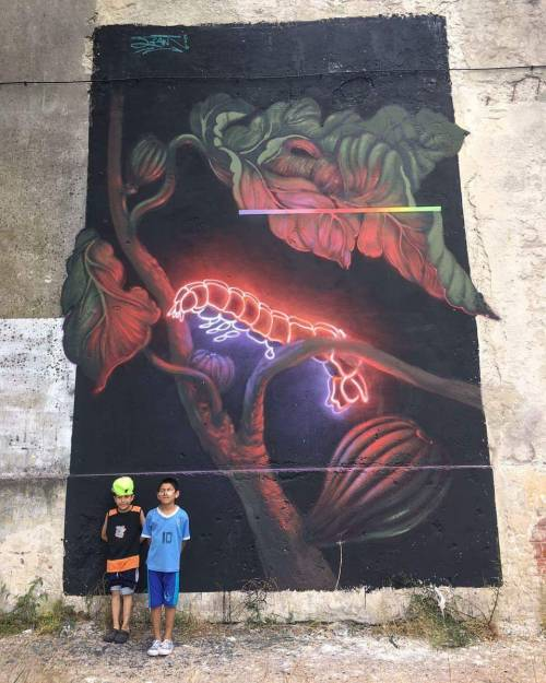 noisemx:  Jiant - Neon Caterpillar mural (La Teja, Montevideo, Uruguay 12/16).