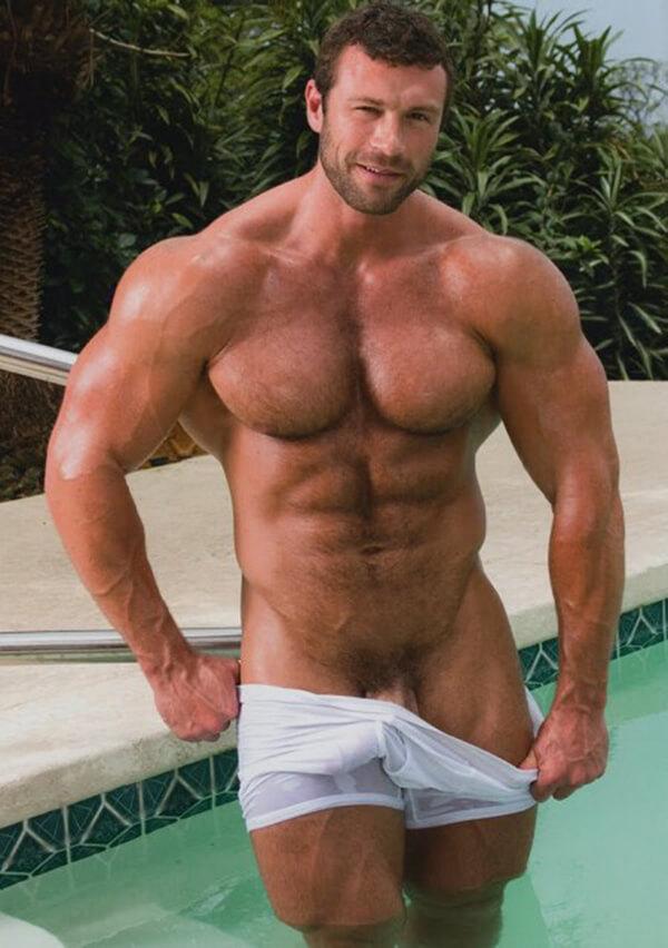 bombado na piscina mostrando a rola