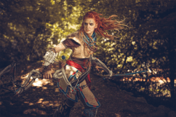 Aloy in action by MadameSkunk  More Hot Cosplay: http://hotcosplaychicks.tumblr.com Get Exclusive Content: https://www.patreon.com/hotcosplaychicks