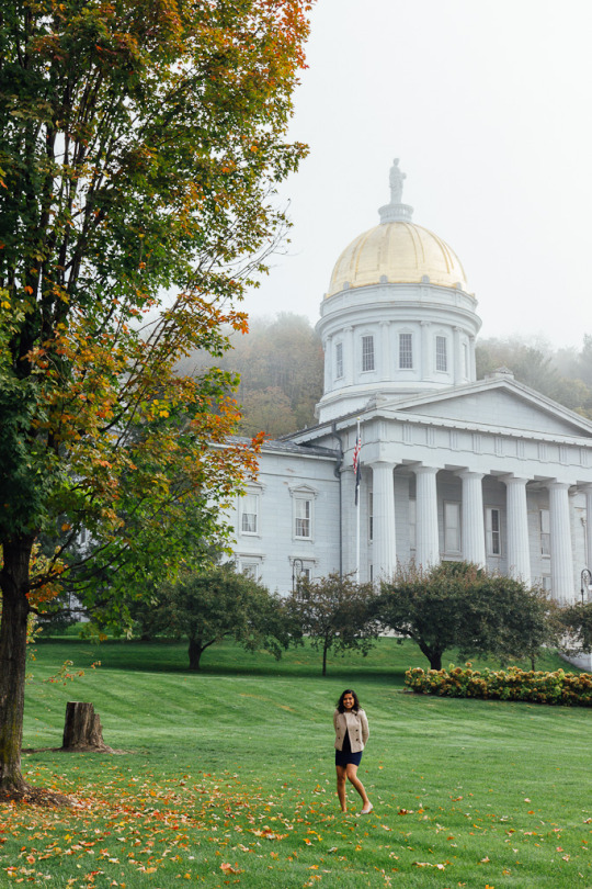 Vermont Fall foliage new England fall colors travel, Vermont in Fall, Capitol Building