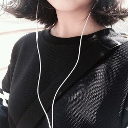aesthetic korean korea grunge asian hair heart ulzzang hipster notes headphones pastel weheartit exo simple drawstring hologram backpack varsity jacket