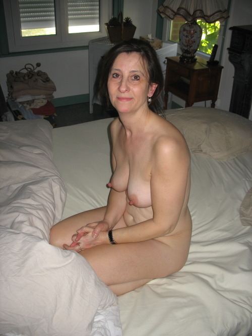 Gorgeous mature wife. Normal is sexy!