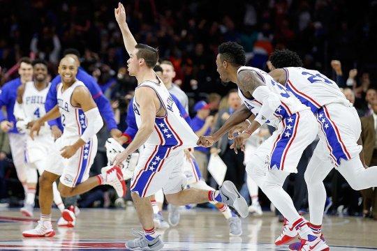 TJ Mcconnell beats Knicks
