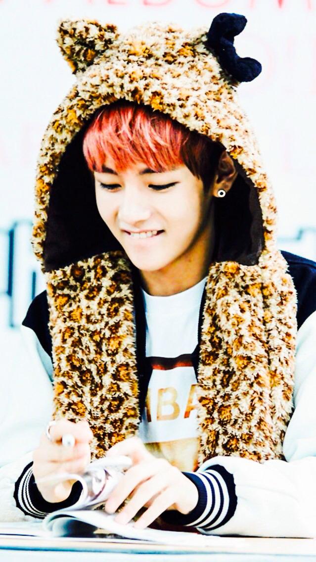 Cute Taehyung Wallpaper Bangtan Boys V Cute Wallpers Requested By Anon Kpop