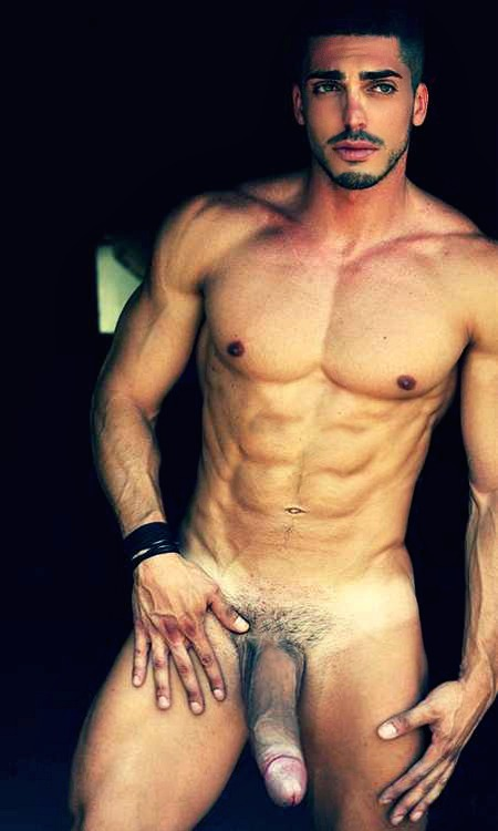 Male Celebrity Nude Pictures