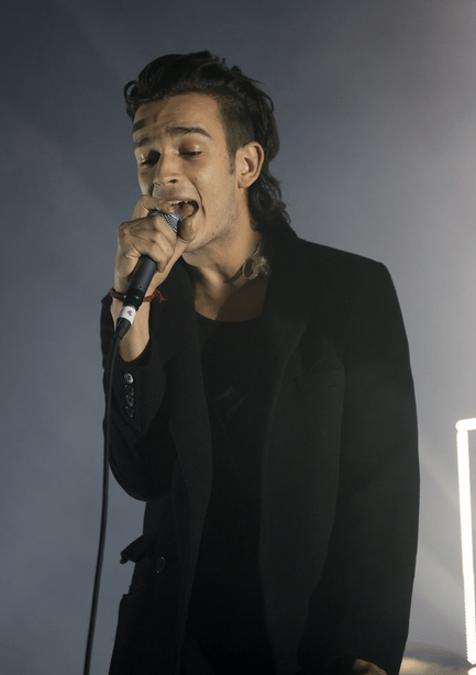 Sad Girl Wallpaper With Quotes Matty Healy Tumblr