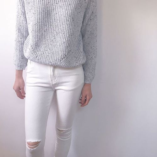 $10.92 White ripped pants. Get them »here« !