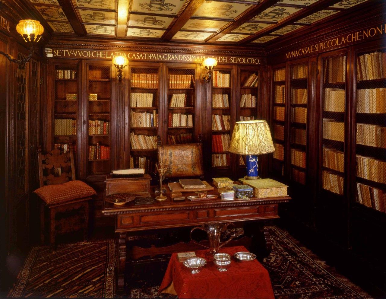 ABRAXAS BOOKS  The Vittoriale degli italiani English