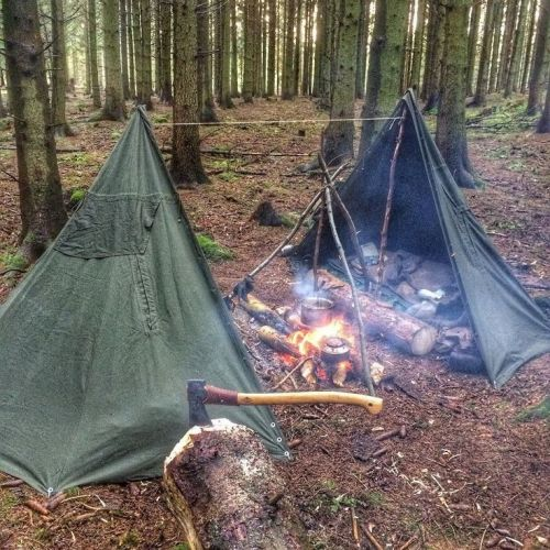bushcraft shelter  Tumblr