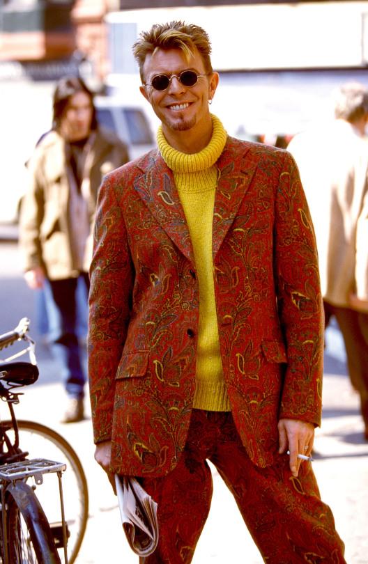 The Many Looks Of David Bowie Master Of Yahoo Beauty
