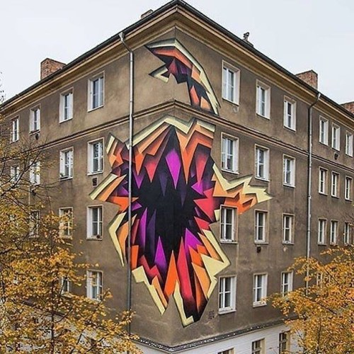 thcrstlshp:  The Crystal Ship artist @1010zzz just painted this beautiful mural in Berlin for @urbannationberlin 🔥#streetart #1010 #abstract #mural #urbannation #art #berlin https://www.instagram.com/p/BMRsFb3AB2S/