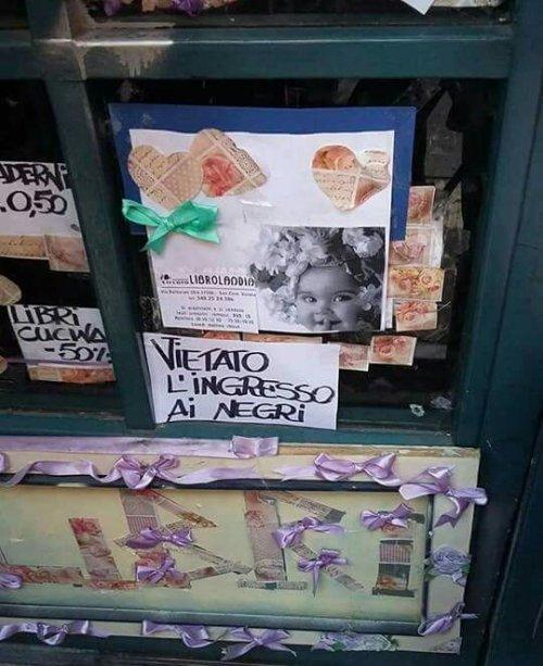 """coprolaliaproletaria: """" """"Verona, cartello fuori dalla libreria """"Librolandia"""" in via Barbarani quartiere San Zeno. Boicottatela come la peste!"""" https://twitter.com/AnnaLeonardi1/status/823133151363039232 """""""