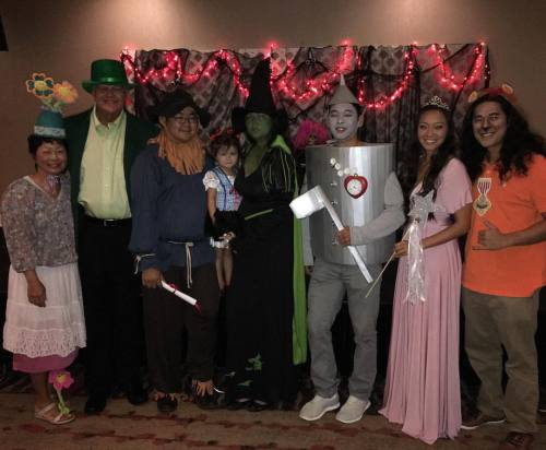Happy (early) Halloween! Just remember… there are two sides to every story #ElphabaTheGood Also, last year there were about 2 other adults dressed up… this year so many families were themed out #Trendsetters (at Waialae Country Club)