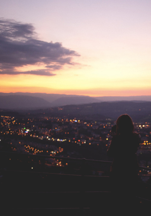 Dark Cozy Girl City Wallpaper Sunset Tumblr