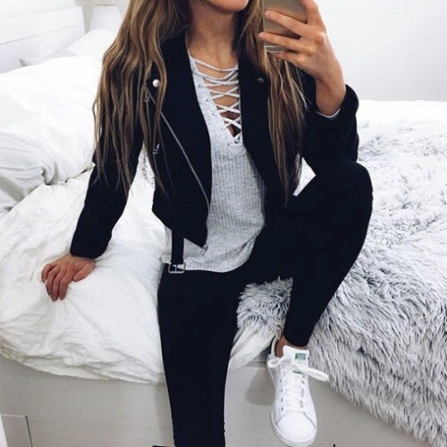 $35.19 Get her black leather jacket »here« !