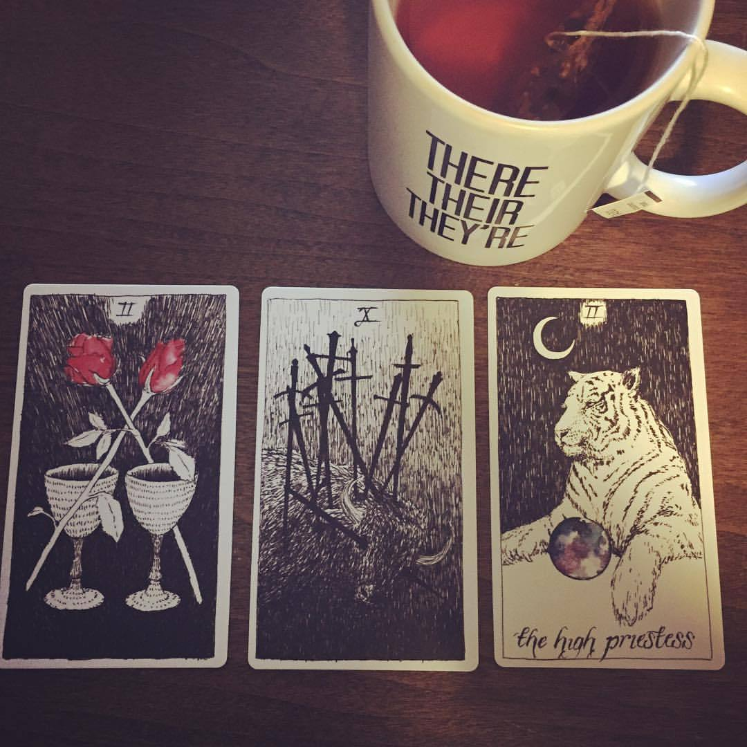 The universe knows. #masonnovel #marywrites #tarot #tea