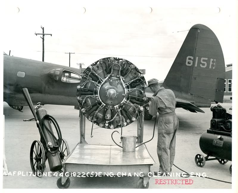 piston wings  Some early B17 variants B17 C and D and