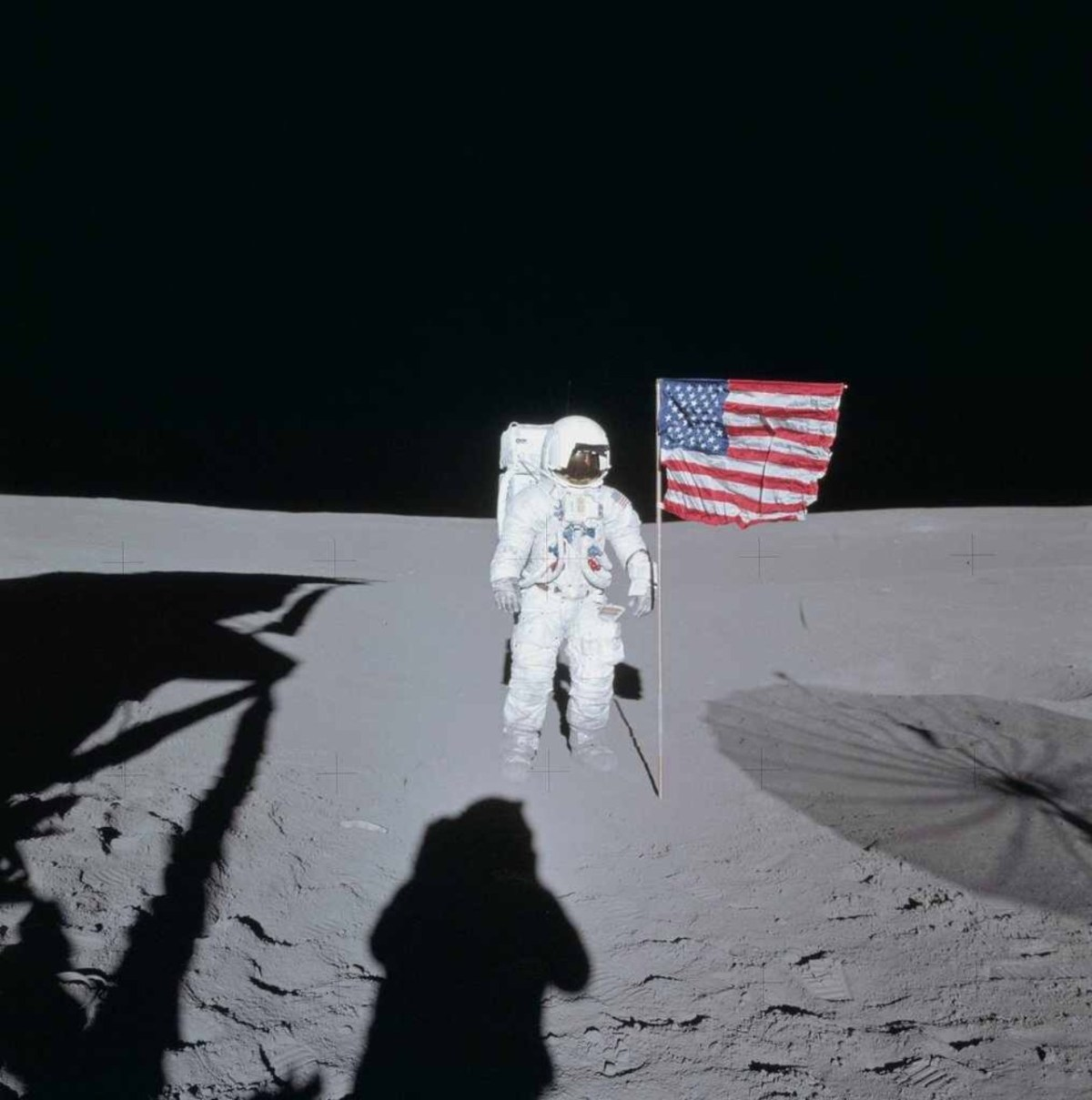 Edgar Mitchell dead.. The 6th man to walk on the moon.. The champion of people who believe NASA covers up aliens in space.. May he rest in peace someone in the wild blue...