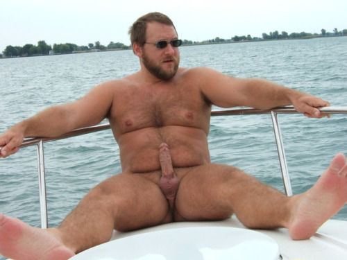 boatinrob:I often get requests for the photo set for this pic from 2006.The whole photo set (free, 87 pics) is here: https://www.xtube.com/gallery/Boating-pics-from-2006-paid-277621