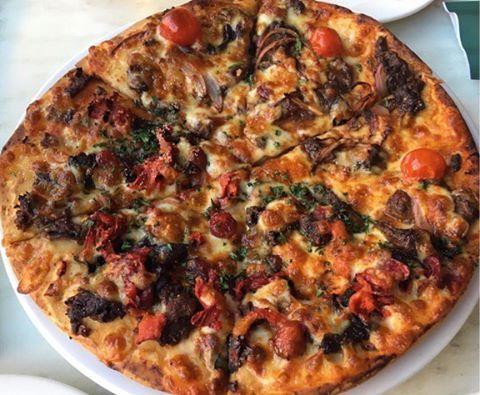 As a matter of fact I will take some Emu and Kangaroo with my pizza. #StillNeedingToEatAVegemiteSandwich (at The Australian Heritage Hotel)