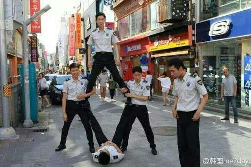"exofunny: "" galaxy—-panda: "" Korean police doing exo overdoes "" """