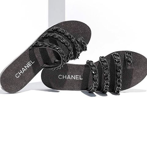 Love these CHANEL S17 slides