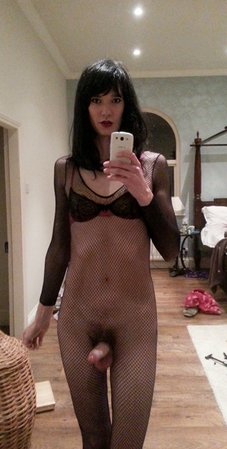 Nude crossdresser Crossdresser: 3,923