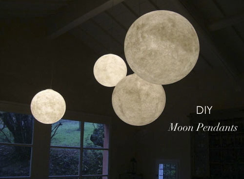 DIY Moon Pendants You will need: • Perfectly round balloons (from party stores) • Papyrus Paper (light weight, under 110gsm) • Craft Glue Instructions Step 1. First, blow the balloons to the sizes you want and tighten them. Step 2.Dip the papyrus...
