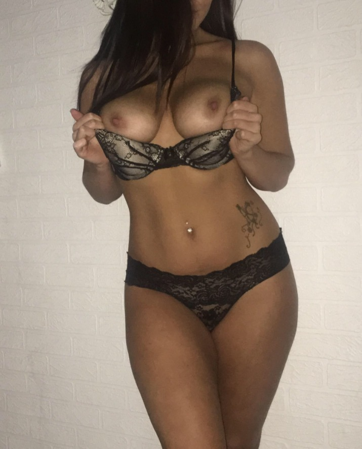 XxNaughtyGirlxX rocking matching lingerie