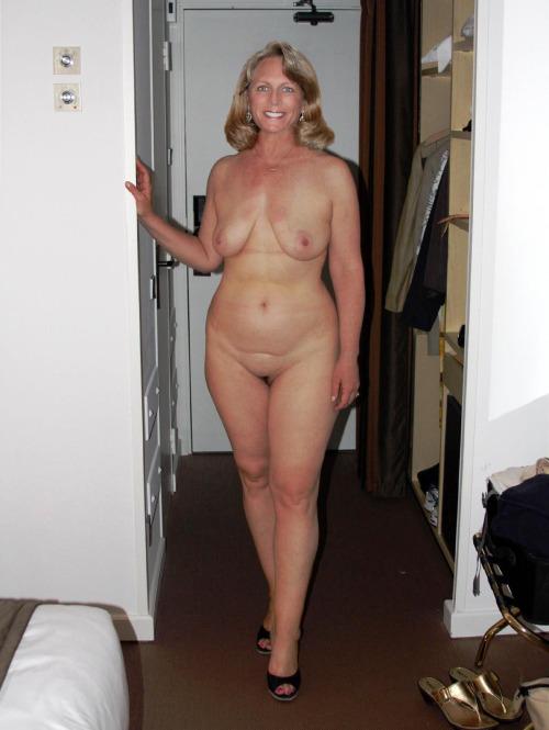 Amateur mature naked