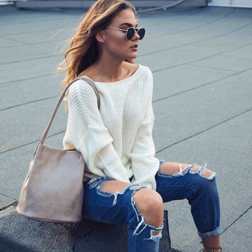 $16.14 Shop her chunky white sweater »here« !