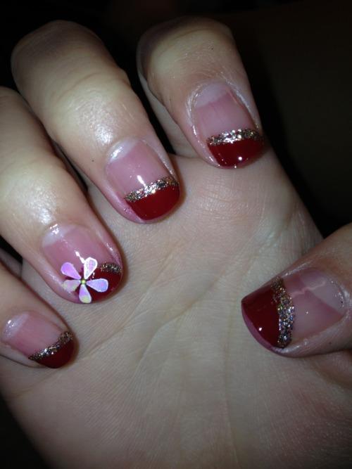 christmas nail design on Tumblr